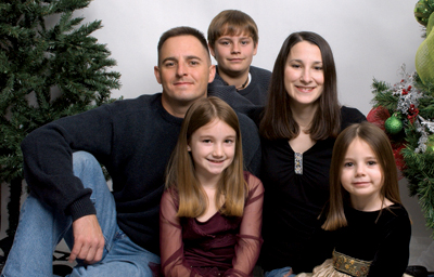 page_20_-_neighbor_-_jeff_and_diana_cantey_with_their_children.jpg