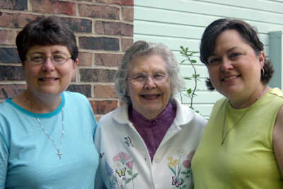 Helen Beene Bargar (from left), Carmeleda May Beene and Ann Beene Gardner.